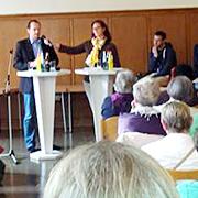 Thomas Konietzka, stellv. Leiter des Sozialamtes, im Interview mit Annika Lante, Öffentlichkeitsreferentin des Kirchenkreises.
